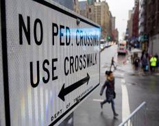В США пешеходы нарушают правила дорожного движения и остаются безнаказанными