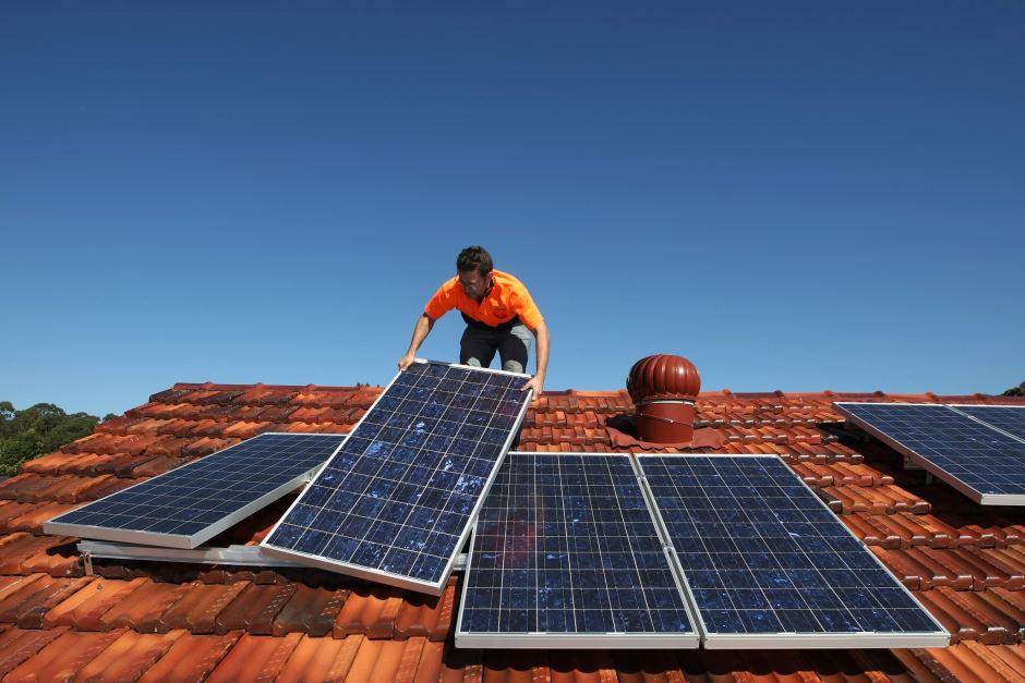 Австралийцы рассматривают солнце как альтернативу высоким счетам за электричество