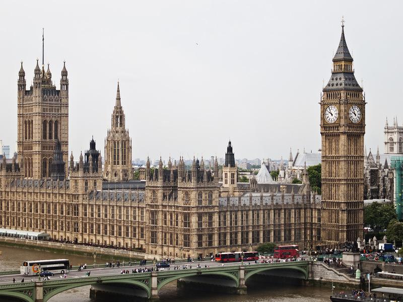 Биг Бен и здание Парламента. Самые популярные достопримечательности Великобритании