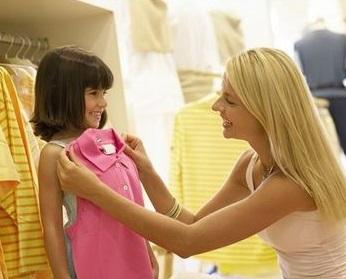 Сложный выбор российских мам. Итоги опроса о детской одежде