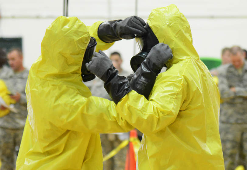 Эбола вошла в десятку самых острых проблем  американцев