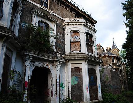 Сколько в Великобритании пустующих домов?